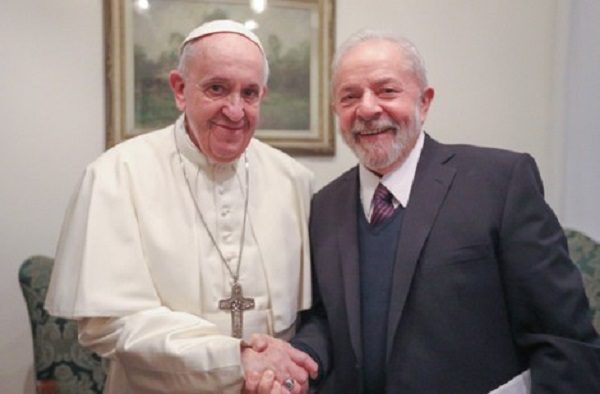 Lula e Papa Francisco defendem direitos dos trabalhadores e o fim da desigualdade