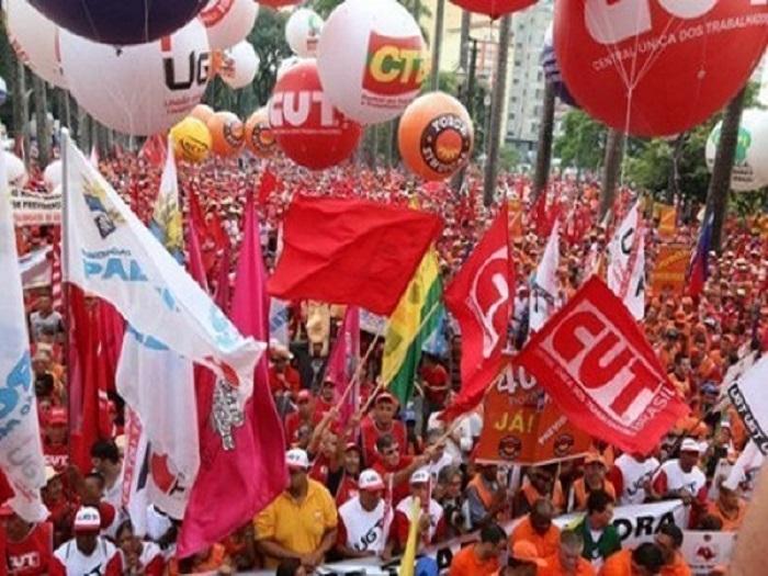 <p>Centrais convocam mobilização para 18 de junho e apoiam 'Fora, Bolsonaro' no dia 19</p>