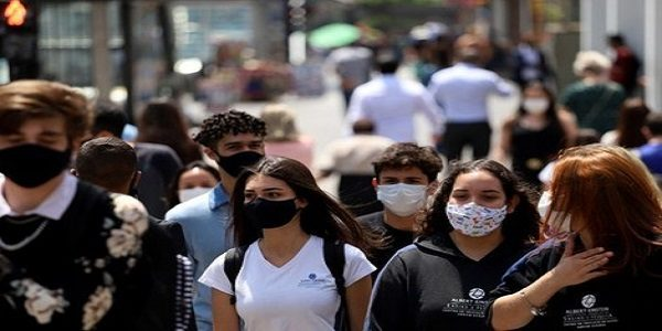 Ao contrário do Brasil, países que combateram a pandemia recuperaram a economia