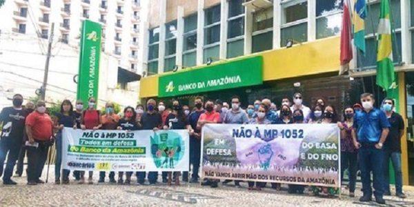 Bancários e Bancárias do Pará realizam ato em defesa do Banco da Amazônia e do FNO